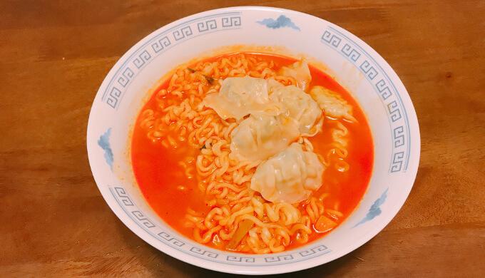 bibigo水餃子(辛ラーメン)